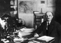 В.И. Ленин в своем кабинете в Кремле. Фотография 1922 г.