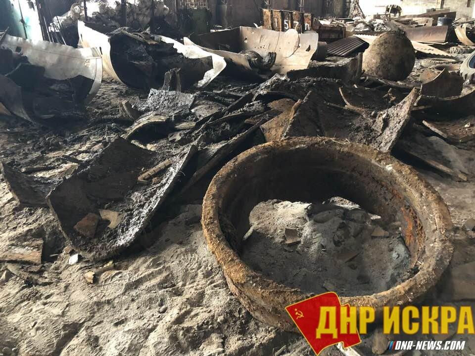Мародеры разбили Донецкий водопровод.