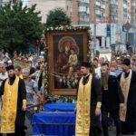 Ежегодно Киев проводит крестный ход
