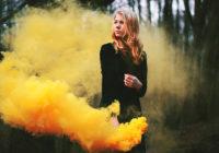 Дымовая шашка может вызвать панику. Но не у Дончан.