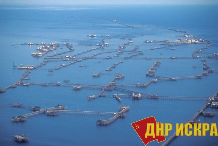 ПГТ Нефтяные Камни. Фото 2