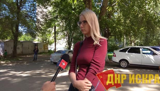 В Барнауле на суд по делу Марии Мотузной пришла группа поддержки и много журналистов.