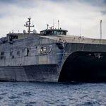 Высокоскоростной десантный корабль Военно-морского флота США впервые вошел в Чёрное море.