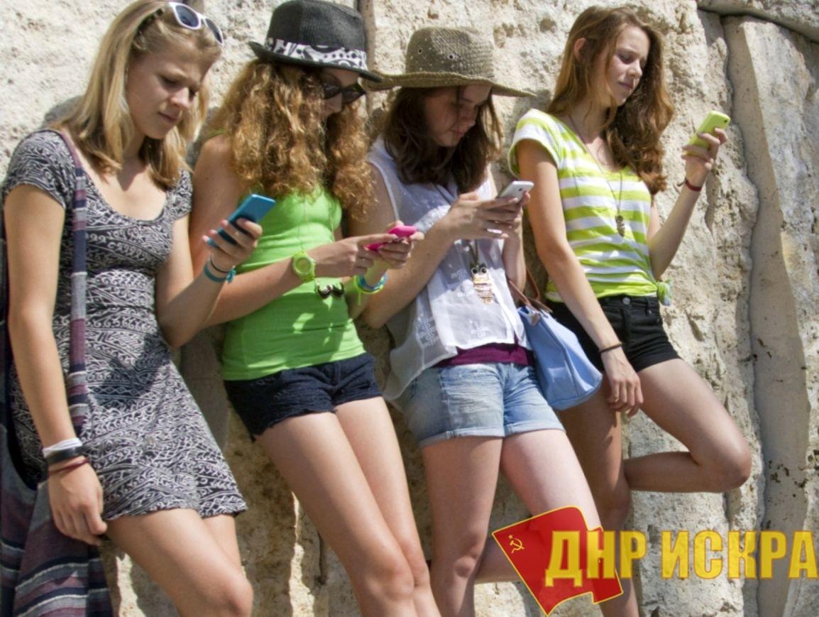 Отмена платы завходящие звонки российских операторов мобильной связи небудет распространяться наКрым