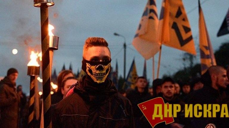 За минувшие дни патриотические круги Украины сотрясло два громких скандала, связанных с выдачей воевавших в Донбассе радикалов. При этом одного из них выдали ни много, ни мало — России, которую власти в Киеве называют «страной агрессором».