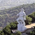 11 сентября исполнилось 91 год самому известному монументу Донецкой области – памятнику в Славяногорске Артему (Сергееву)