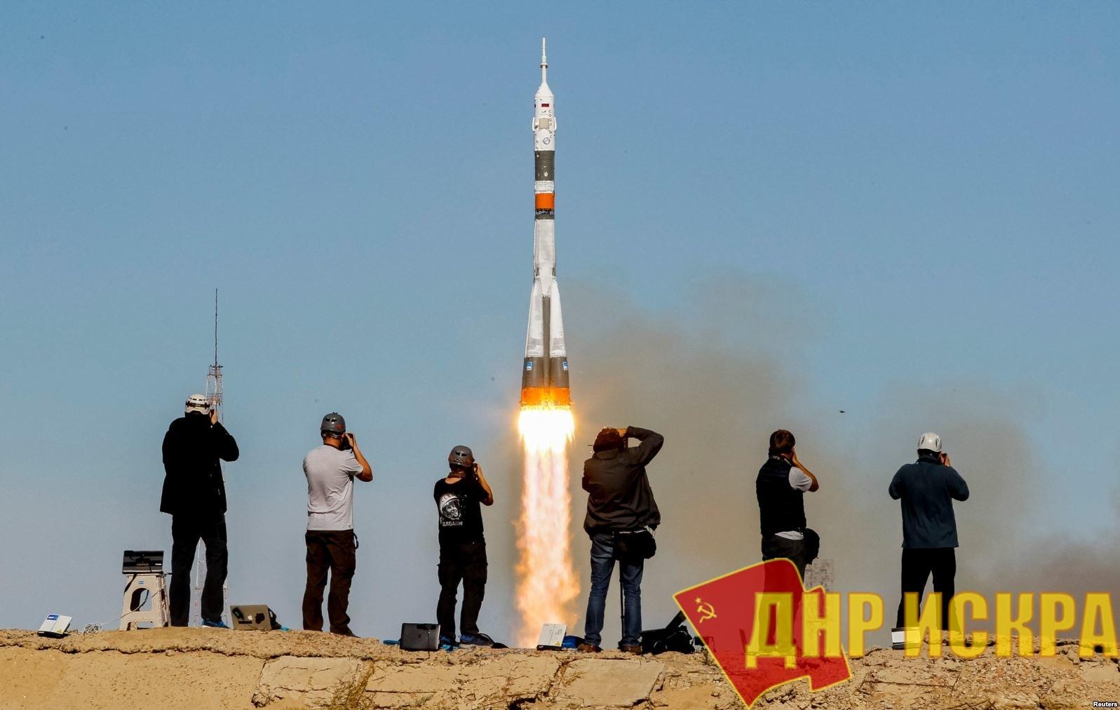 """Что-то с инспекциями нынче не так: Во время запуска ракеты """"Союз"""" с двумя космонавтами на борту с космодрома Байконур произошла авария"""