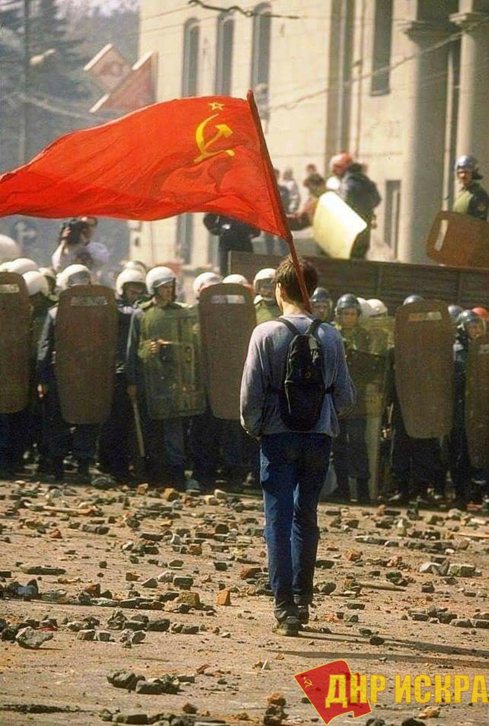 Дмитрий Новиков в эфире телеканала ТВ Центр: «В 1993 году было расстреляно будущее страны»