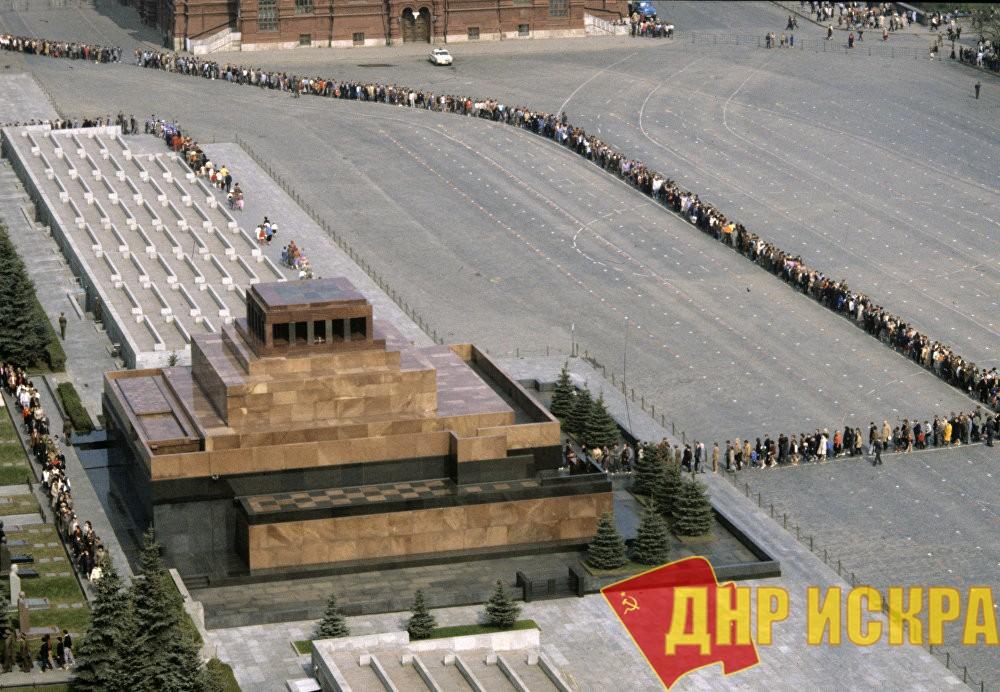 «Осеннее обострение». Д.А. Парфенов об инициативе замены тела Ленина в Мавзолее на восковую фигуру