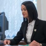 «Государство вам не должно»: почему чиновники сменили тон в общении с народом