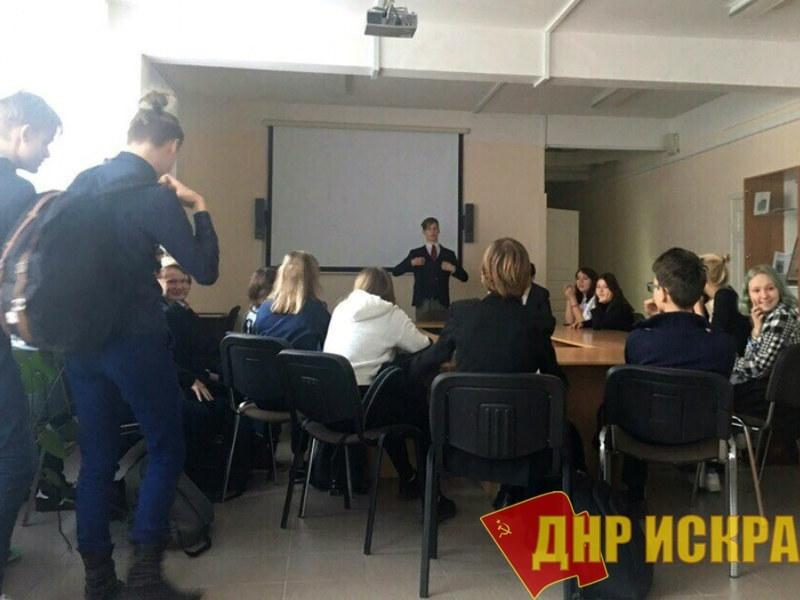 В Ленинграде (Петербурге) школьнику угрожают отчислением за организацию профсоюза