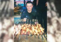 Бандит Вячеслав Цеповяз ест шашлыки в колонии строгого режима