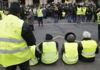 Кремль не желает «урока французского», но продолжает пенсионную реформу