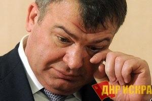 С больной головы на еще более больную…Рогозин винит Сердюкова в провалах