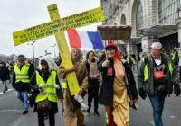 Париж уже строит гильотину для Макрона