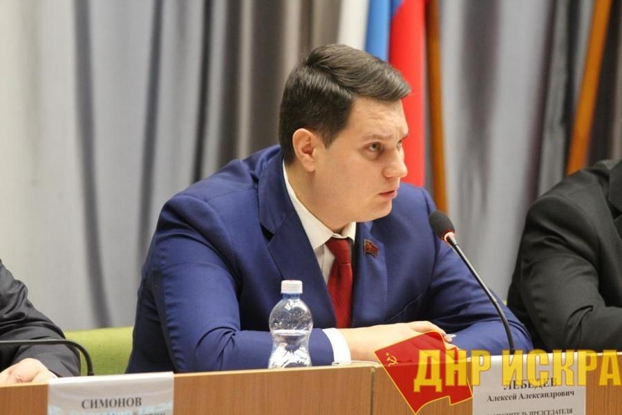Тула. Областные депутаты отказались обсуждать «мусорную реформу» и вопрос по Курилам
