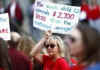 Американские учителя знают как добиться своего: учителя Денвера бастуют