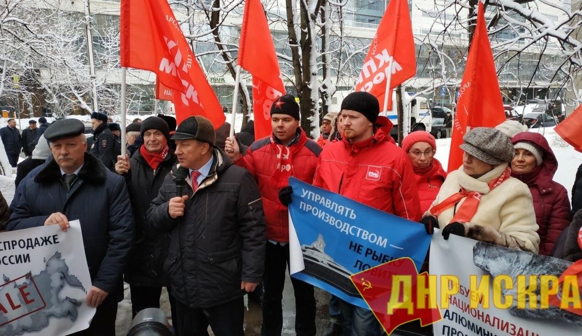 Дерипаска оценил свое достоинство в миллион рублей