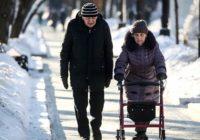 Пенсионеры пошли судиться с правительством Медведева за украденные миллионы