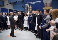 Неуклюжие отговорки президента. Путин отказал рабочим в льготах и сослался на иностранцев