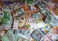 У полковника ФСБ изъяли полтора КамАЗа денег