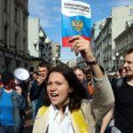 Блицкриг Путина: Кремль уверен, что народ купится на подачки