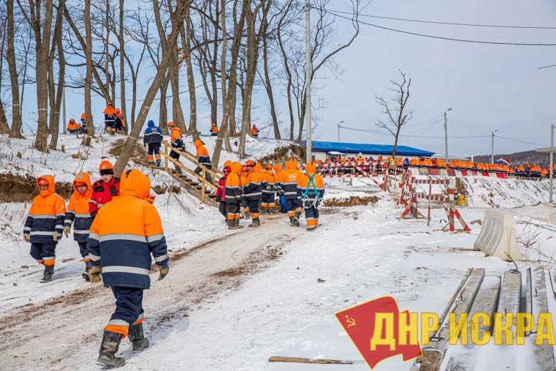 Продолжается стихийная забастовка рабочих на острове Русский