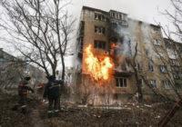 Вести с Украины. Вояки бьют по мирному населению, а коронавирус – по воякам