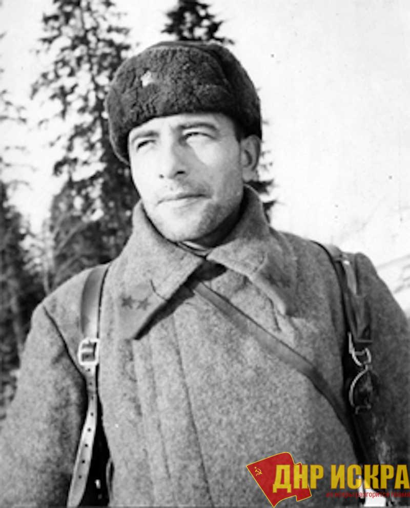 Командир 1-й гвардейской танковой бригады генерал-майор Михаил Ефимович Катуков во время битвы под Москвой