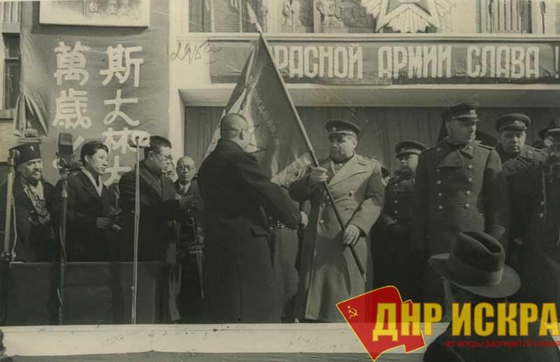 Россия - одна из 15 союзных республик. Она вправе гордиться победами Красной Армии!