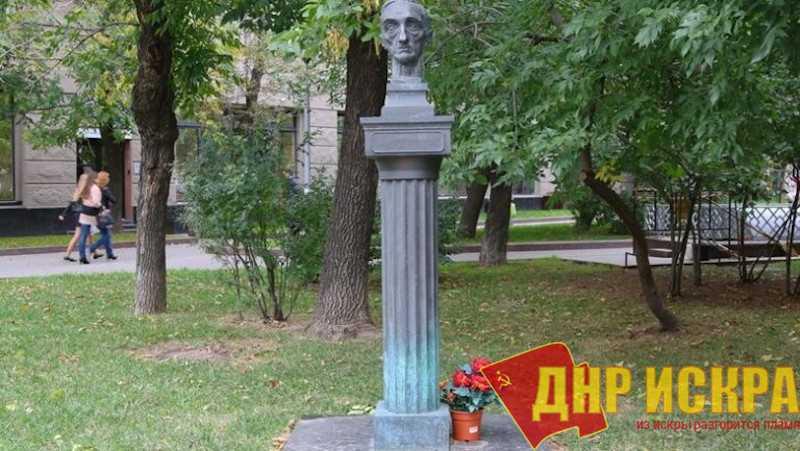 В России ставят памятники пособникам Гитлера