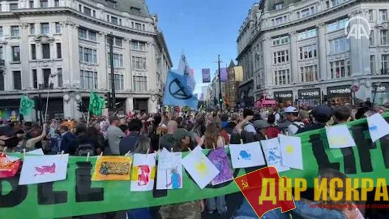 Планета протестует